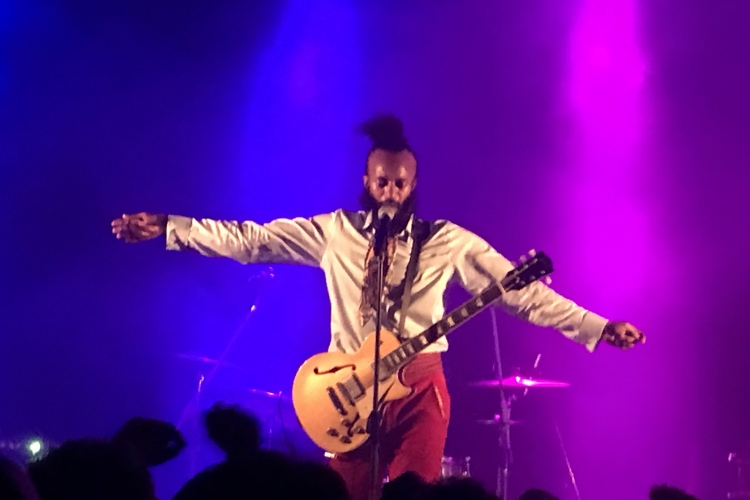 "FANTASTIC NEGRITO PUBBLICA OGGI ""HOW LONG?"" - VIDEO"